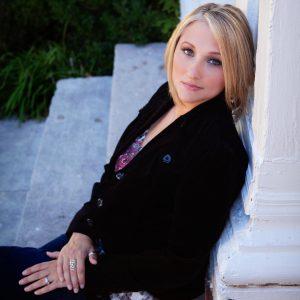 Myra McEntire author photo
